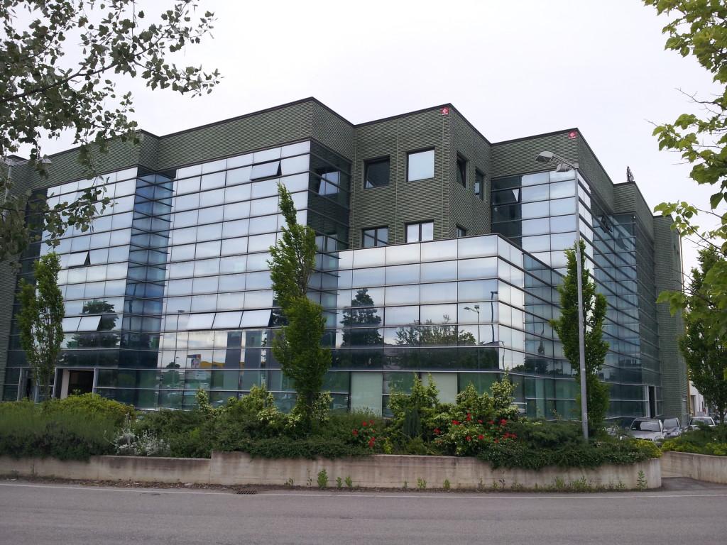 Ufficio Moderno Pesaro : Ufficio borgo pascucci gaggiolini immobiliare